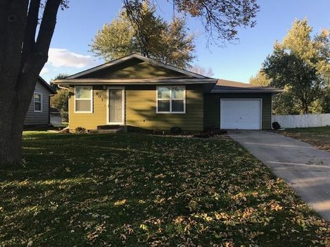 603 Nw 2nd St, State Center, IA 50247