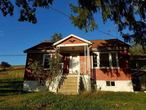 3109 E Grafton Rd, Fairmont, WV 26554