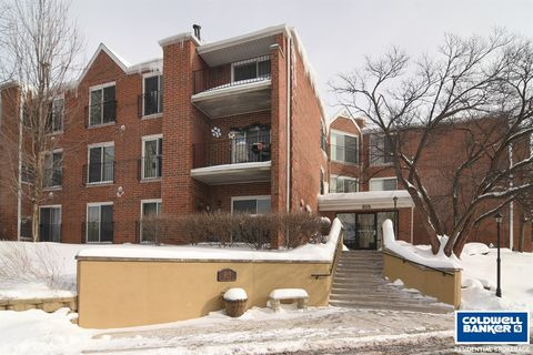 Photo of 815 N Leicester Rd Unit 119 A, Elk Grove Village, IL 60007
