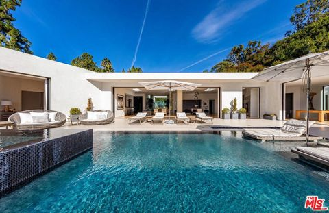 Photo of 1510 Loma Vista Dr, Beverly Hills, CA 90210