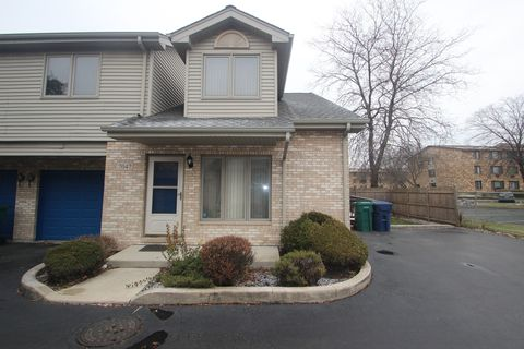 7047 100th St Chicago Ridge Il 60415 Townhome For Rent