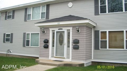 Photo of 121 Waterman St Apt 4, Manchester, NH 03103