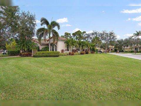 1038 Vintner Blvd Palm Beach Gardens Fl 33410