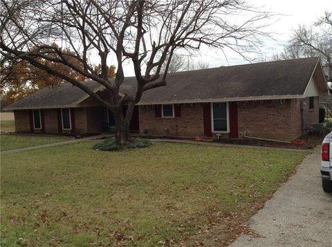 Photo of 105 Circle Dr, Hubbard, TX 76648