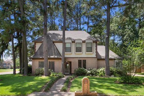 Photo of 12703 Cloverwood Dr, Cypress, TX 77429