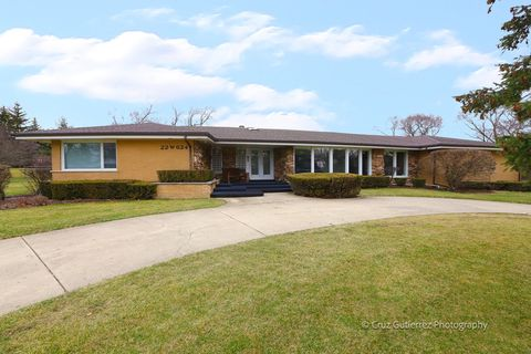 22 W624 Sunset Ter, Medinah, IL 60157