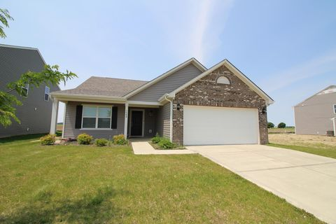 Photo of 3904 Starkey Dr, Marion, IN 46953
