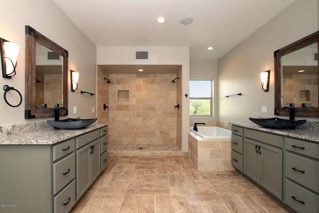 4401 n avenida del cazador tucson az 85718 bathroom