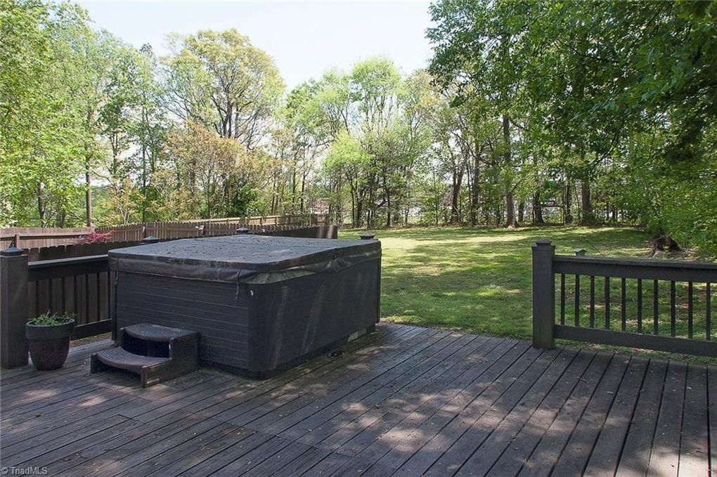 4704 Forest Village Dr, Greensboro, NC 27406 - realtor.com®