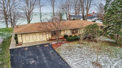 Photo of 5911 Shore Dr, Madison, OH 44057
