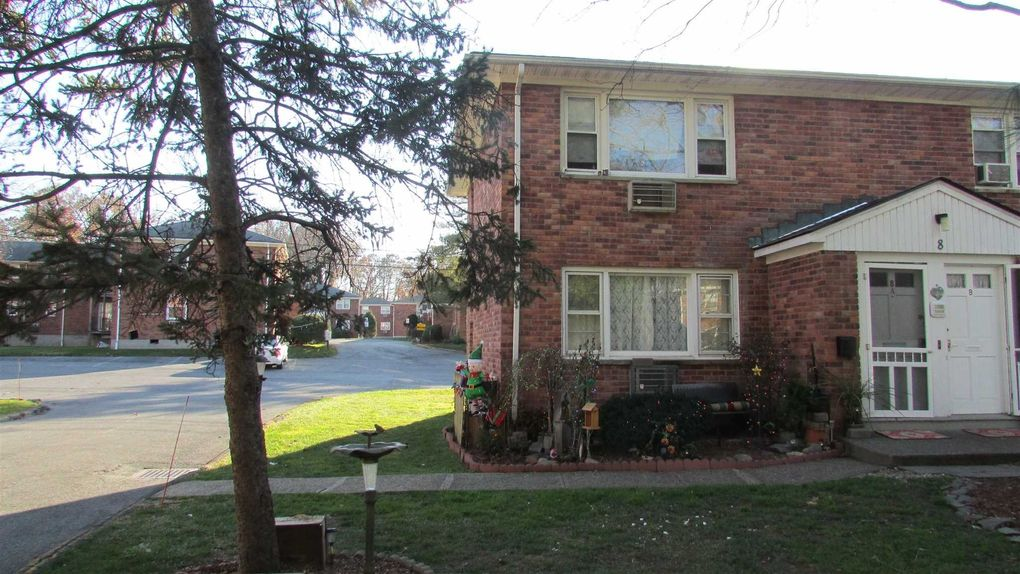 1668 Route 9 Apt 8 A, Wappingers Falls, NY 12590