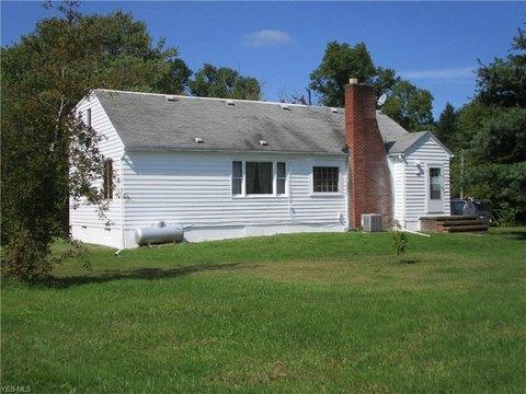 19366 Vermont St, Grafton, OH 44044