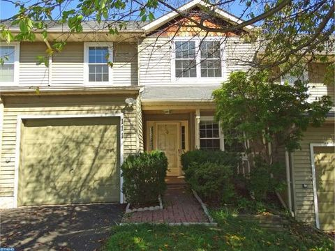 111 Mulberry Dr, Holland, PA 18966