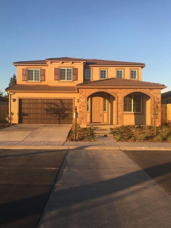 7454 E Flint Way, Fresno, CA 93727