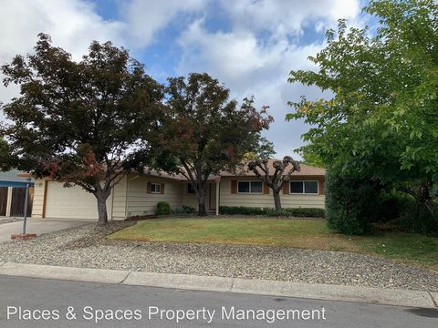 Photo of 6545 Kimberly Dr, Redding, CA 96001