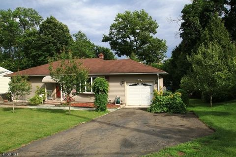 Photo Of 796 Harristown Rd Glen Rock Nj 07452 House For Rent