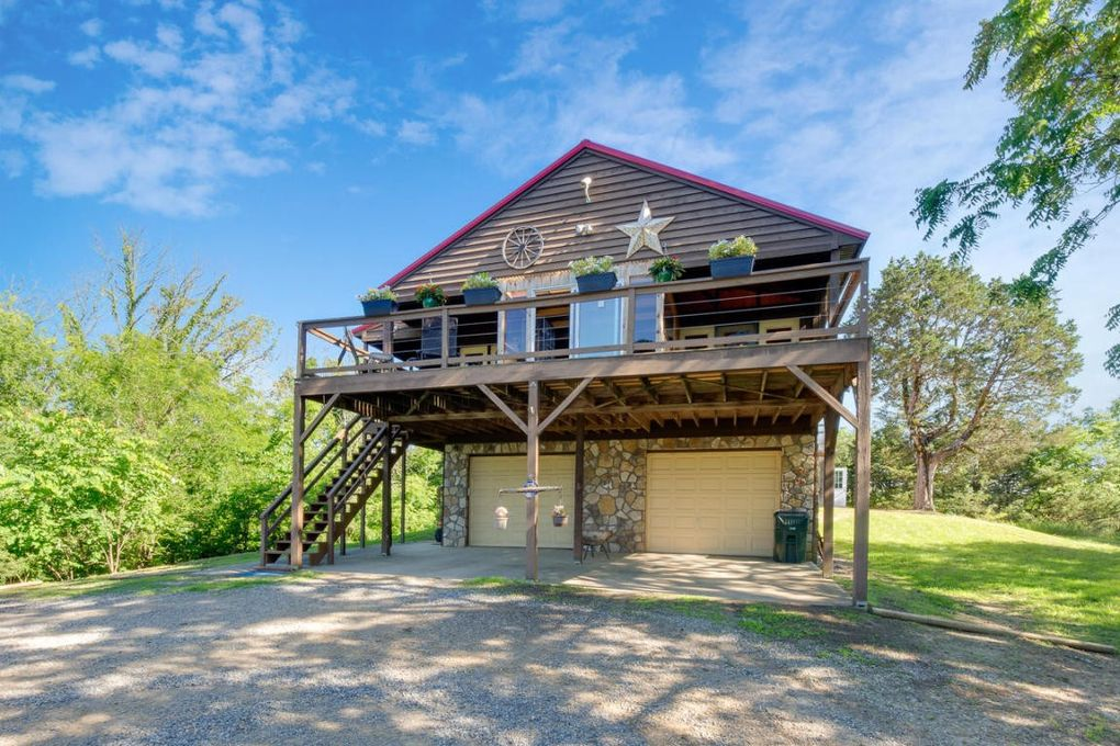 2761 Wildwood Rd, Dandridge, TN 37725
