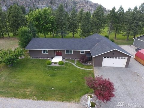 Photo of 99 Golf Course Dr, Pateros, WA 98846