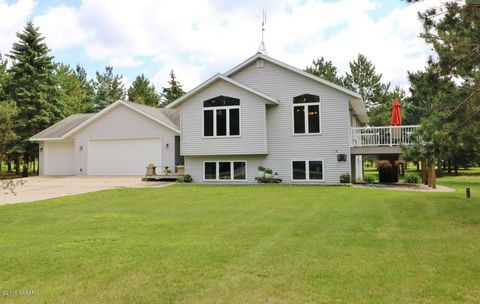 Photo of 309 Benzinger Ln, Parkers Prairie, MN 56361