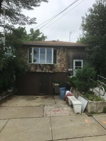 781 Sinclair Ave, Staten Island, NY 10309
