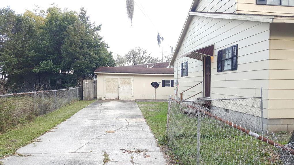 8073 Floyd St, Jacksonville, FL 32208