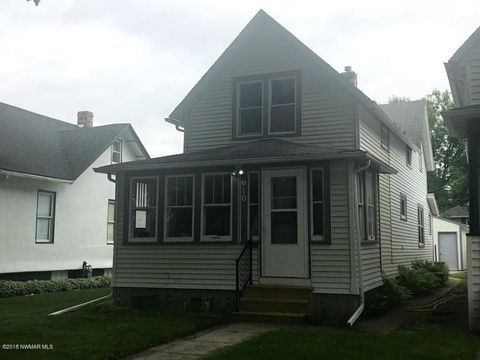 Photo of 610 N 7th St, Grand Forks, ND 58203