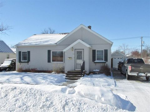 414 2nd Ave Se, Rugby, ND 58368