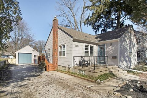 Photo of 1605 Pontiac Trl, Ann Arbor, MI 48105