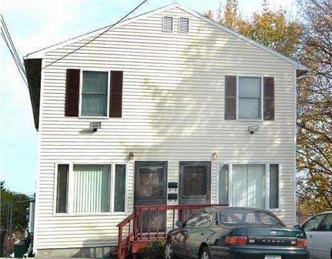 17 Hymer St, Providence, RI 02908