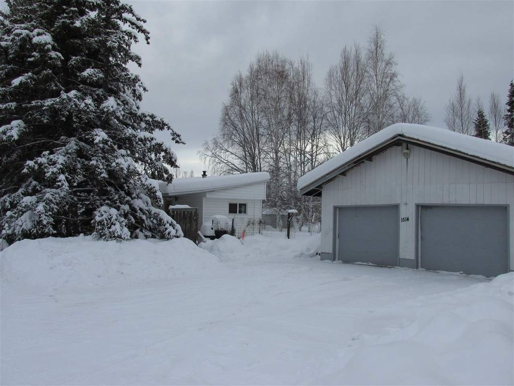 1514 Henry St, North Pole, AK 99705