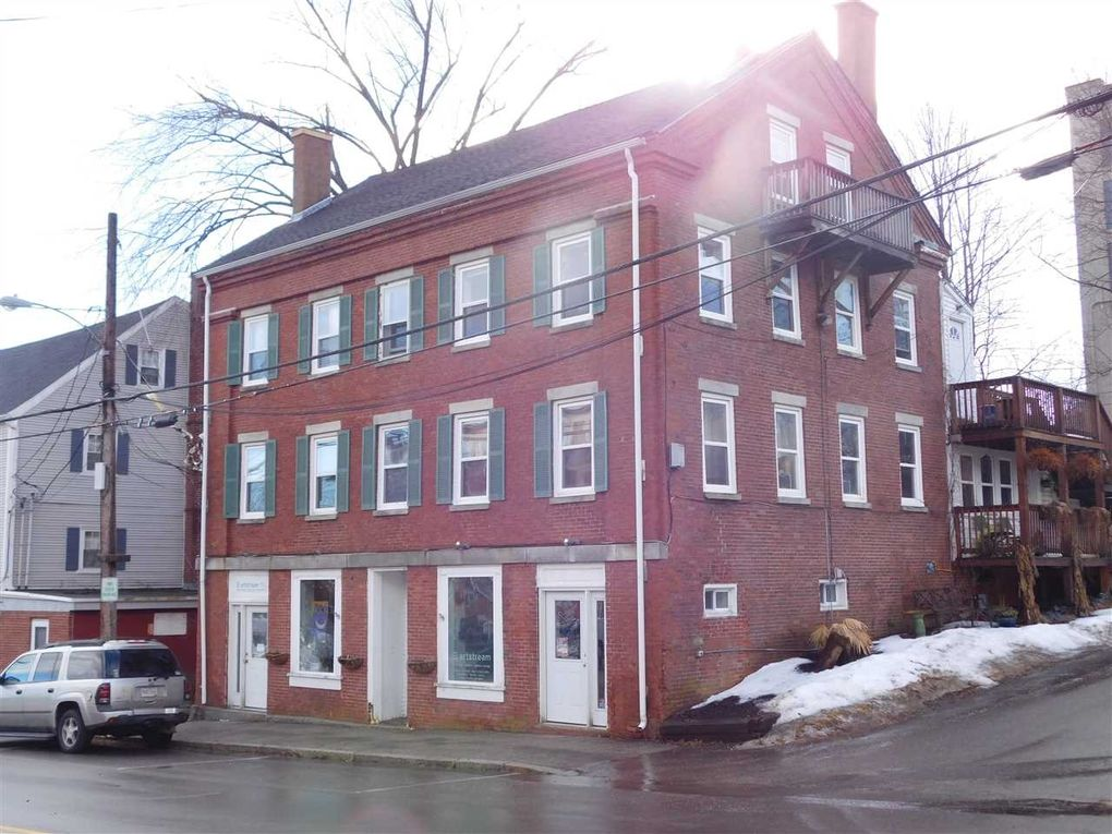 20 Front St, Rollinsford, NH 03869