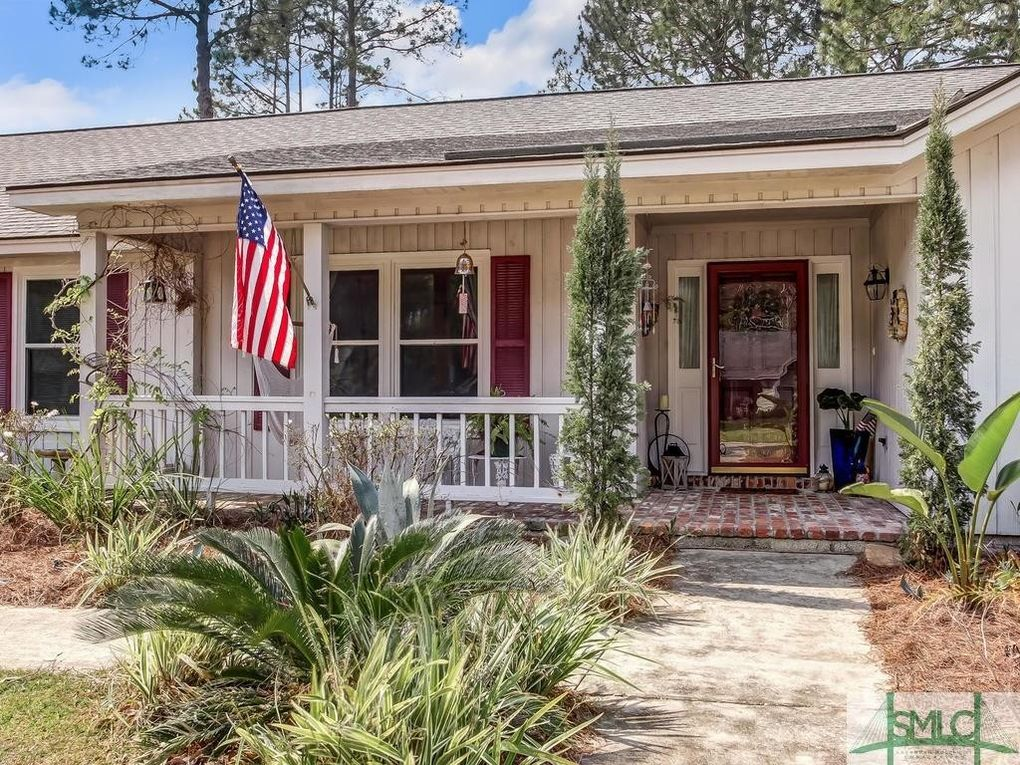 203 Springhouse Dr, Savannah, GA 31419