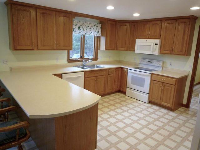 20 Plain St, East Bridgewater, MA 02333 - realtor.com®