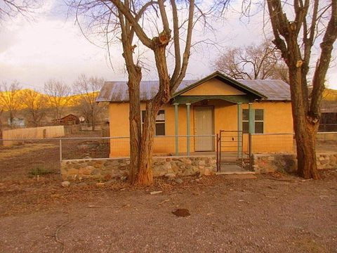 10 Orchid St, Reserve, NM 87830