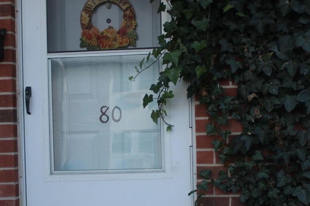 80 Manor Ct, Springfield, MA 01118