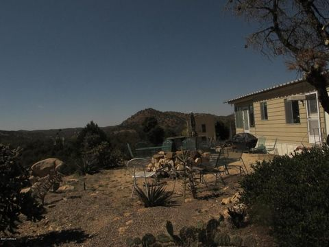 Photo of 52116 N Hutton Peak Rd, Miami, AZ 85539