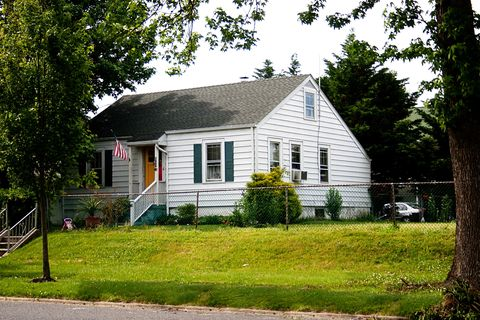 Neptune Township, NJ Houses for Sale with Swimming Pool