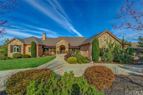 3 Woodstone Ln, Chico, CA 95928