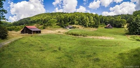352 Northern Orchard Dr, Mars Hill, NC 28754