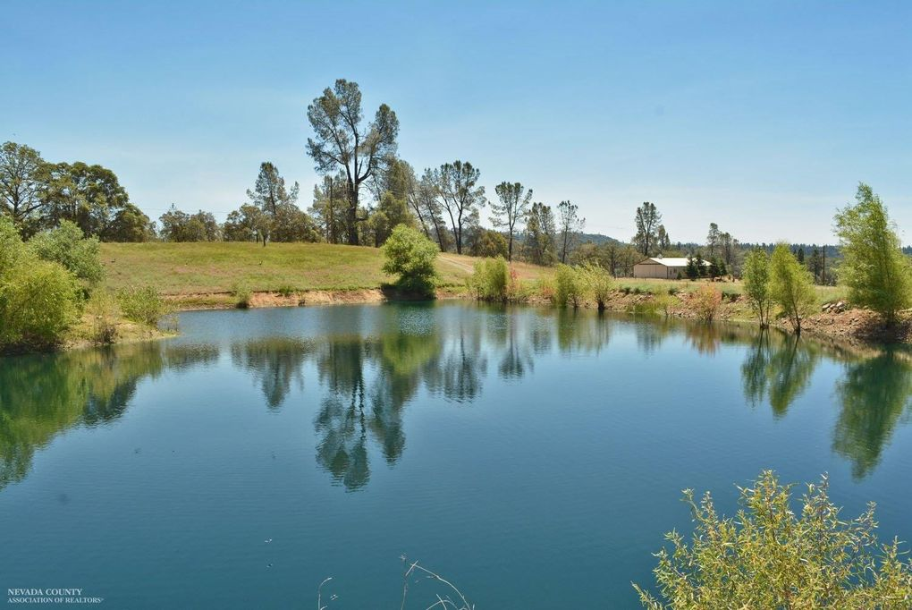 19907 Clydesdale Rd, Grass Valley, CA 95945