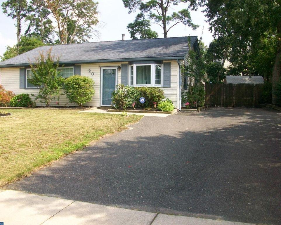 20 Ray Smith Rd, Gloucester Township, NJ 08081