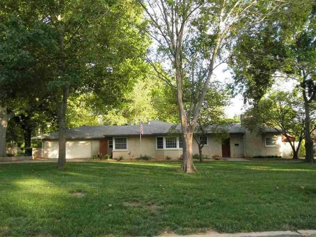 127 Whitworth Ave Ponca City, OK 74601