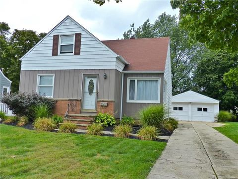 Photo of 31301 Wellner Rd, Willowick, OH 44095