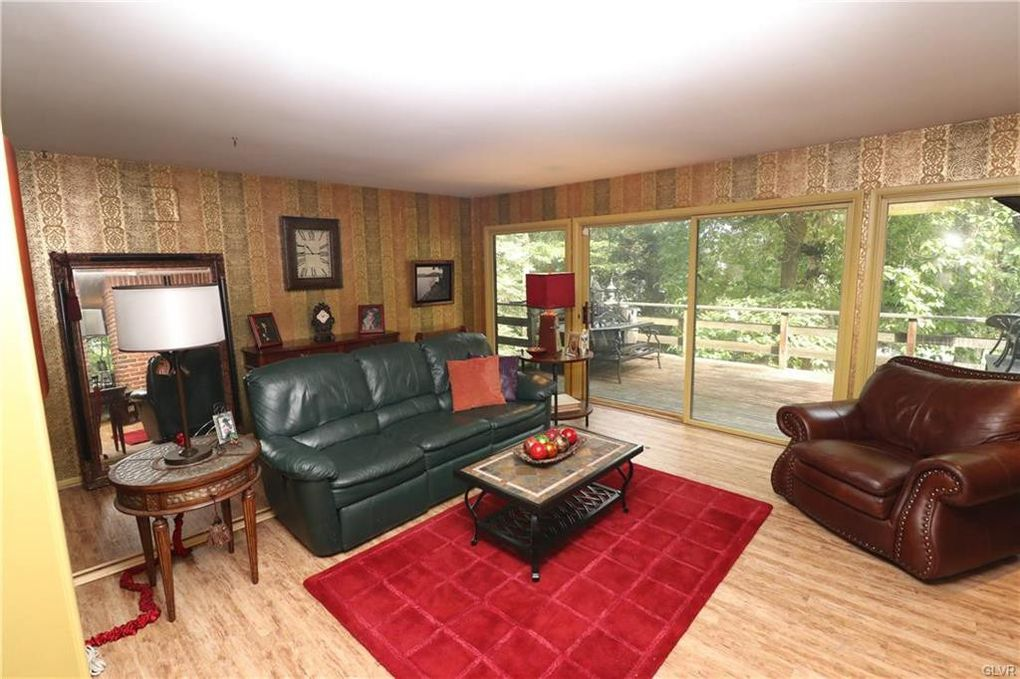 2025 Applewood Ln, Upper Macungie Township, PA 18051