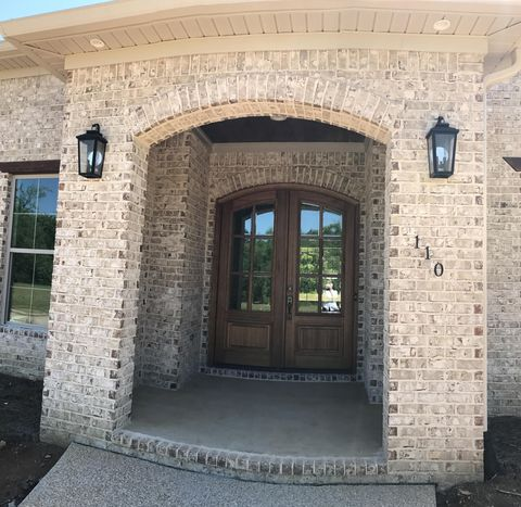 Photo of 110 Belle Vallee Dr, Columbus, MS 39705