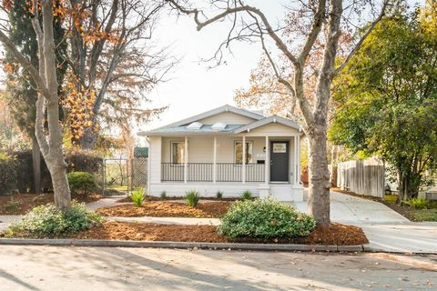 Photo of 3172 U St, Sacramento, CA 95817