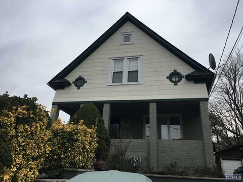 Photo of 332 Highland Ave, Palisades Park, NJ 07650