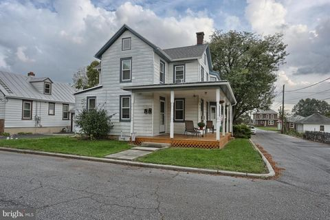 Photo of 1702 Palm St, Hershey, PA 17033