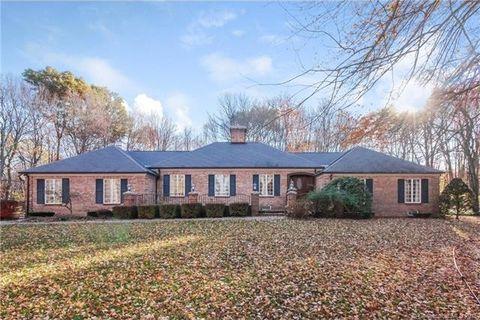 80 N Farms Rd, Middlebury, CT 06762