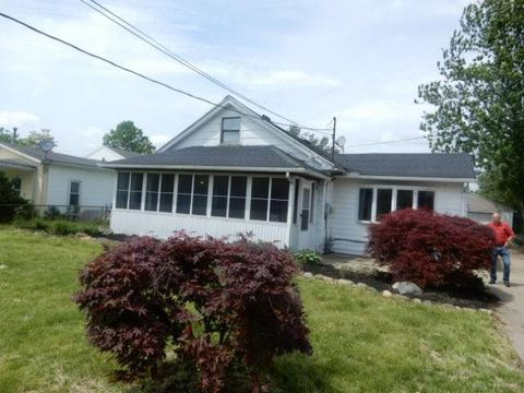 Photo of 411 Staton St, Middletown, OH 45044